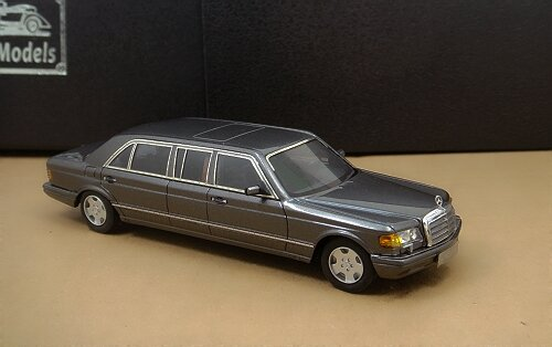 1/43 Mercedes-Benz W126 series AMG 560SEL Limousine 1990