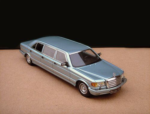 1/43 Mercedes-Benz W126 Series 500SEL 6-door Stretch Limousine 1