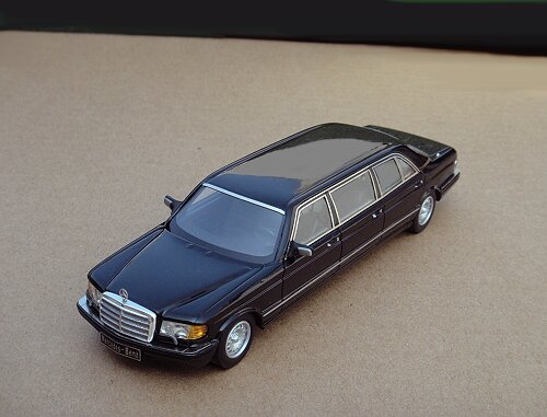 1/43 Mercedes-Benz W126 Series 500SEL 6-door Stretch Limousine