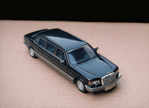 1/43 Mercedes-Benz W126 Series 500SEL Limousine 1986 Black
